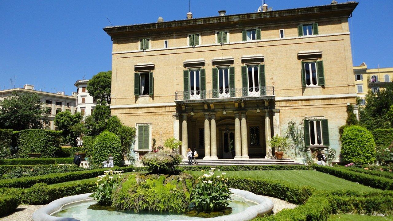 La villa bonaparte ambassade fran aise aupr s du saint for Conception de la villa